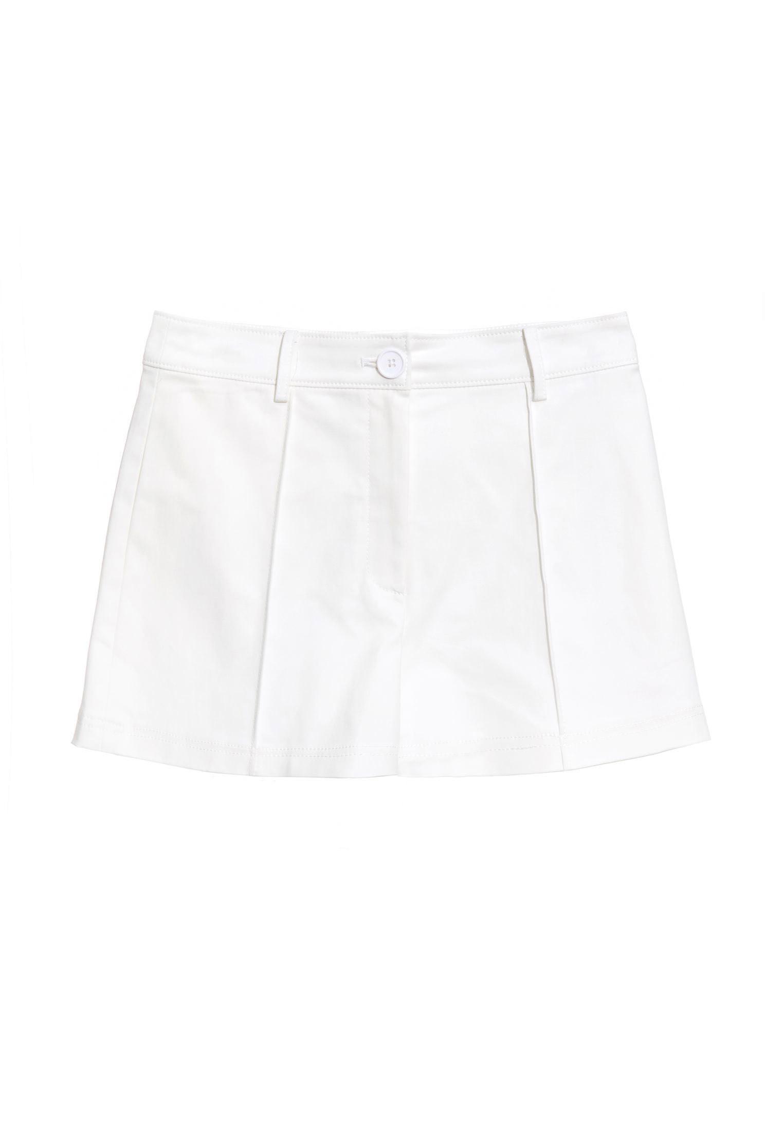 Thin! Pleated white shorts