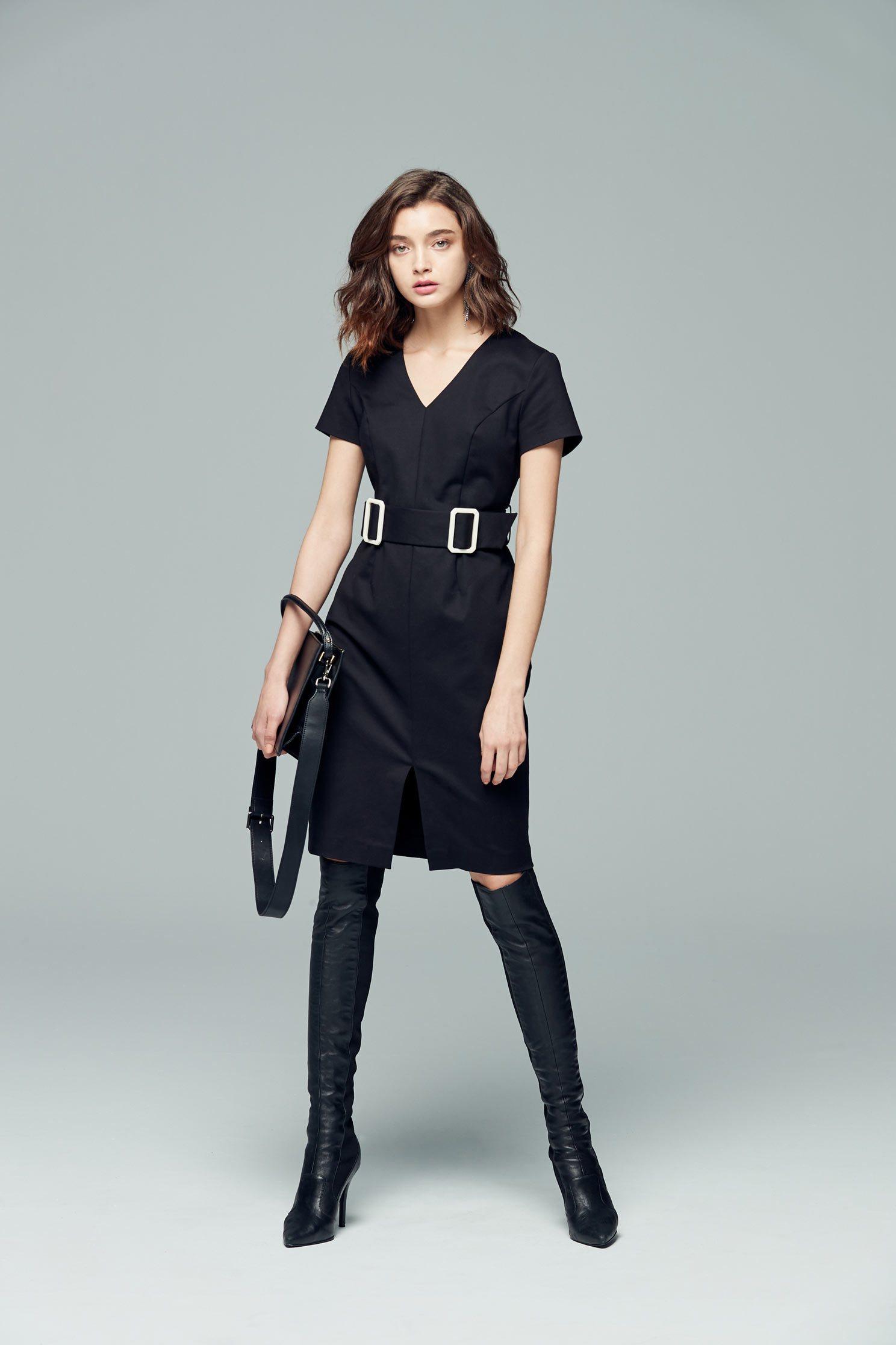V-neck short-sleeved One-piece belted dress