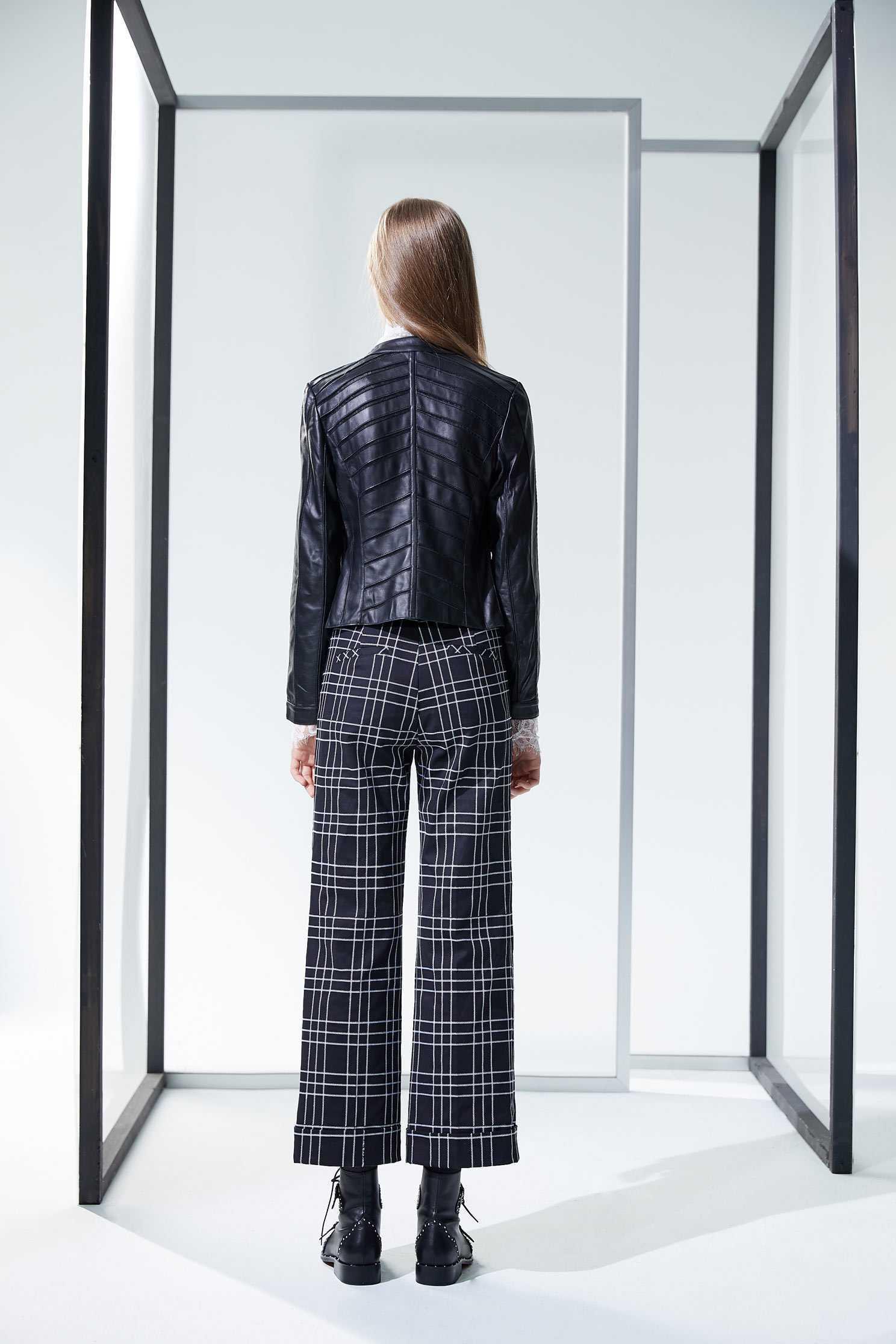 Layers leather coat,outerwear,biker_jacket,longsleeveouterwear,blackouterwear