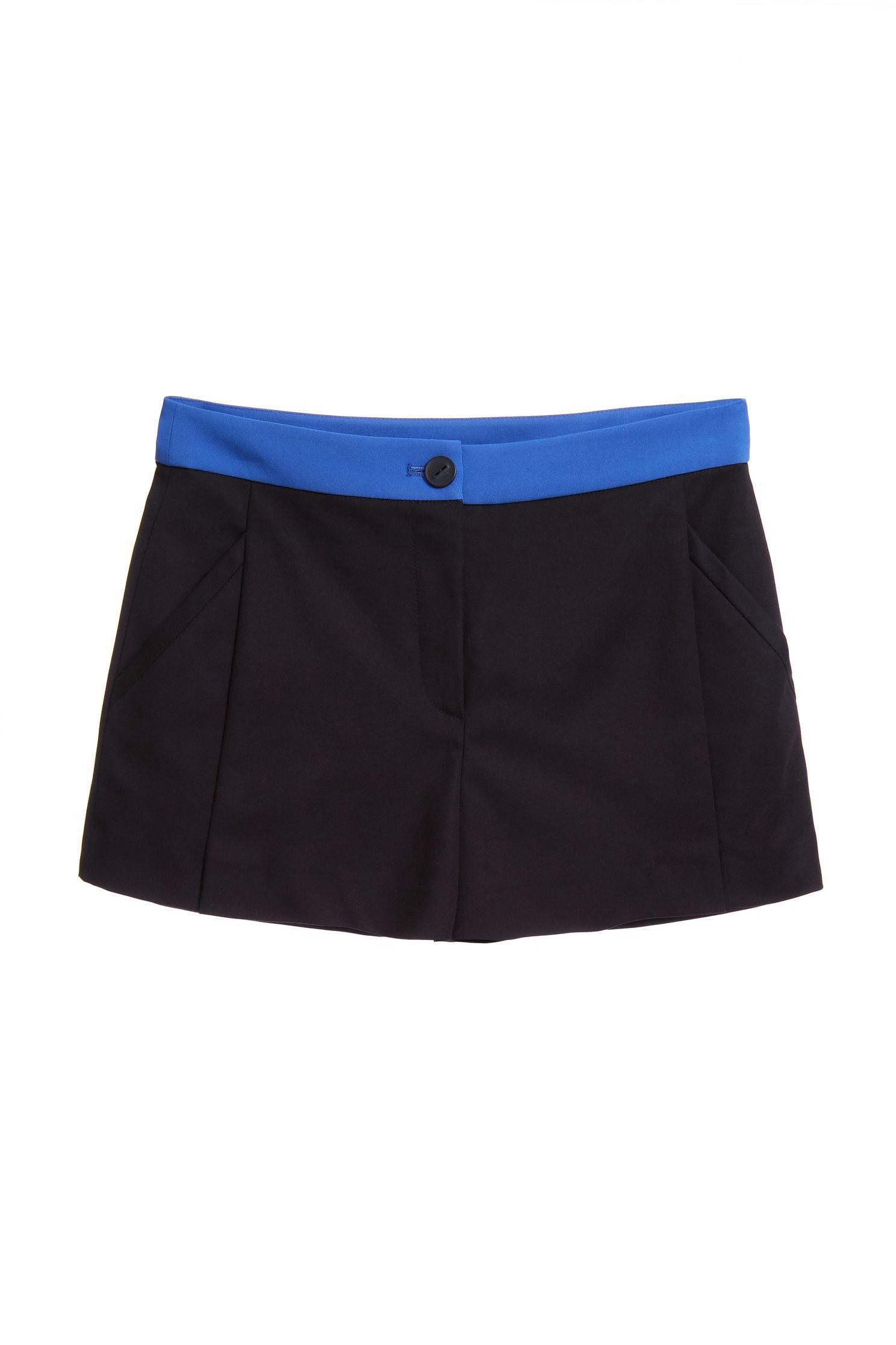 Classic belt shorts