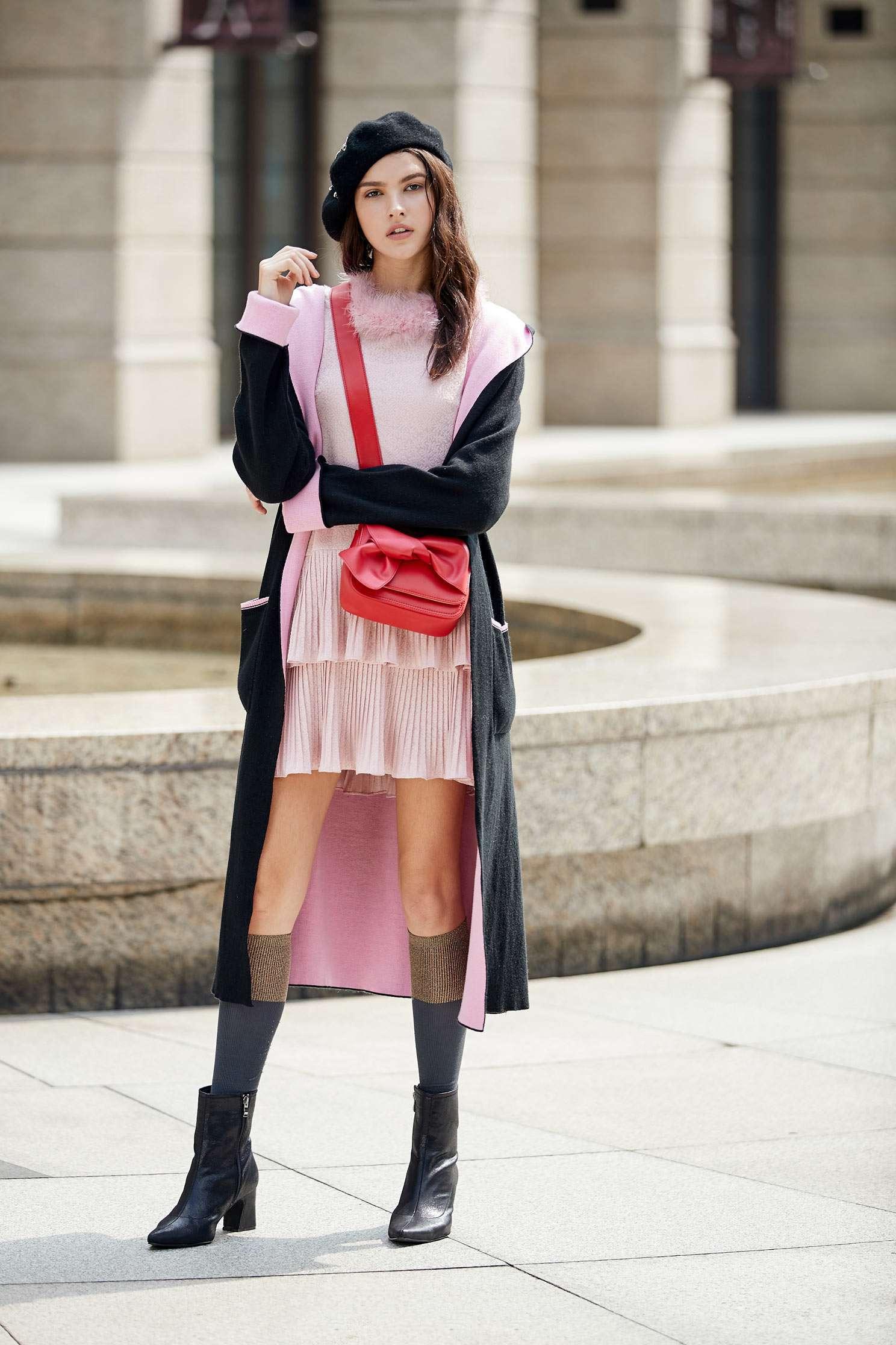 Dress with fleece at the neckline,cocktaildress,longsleevedress