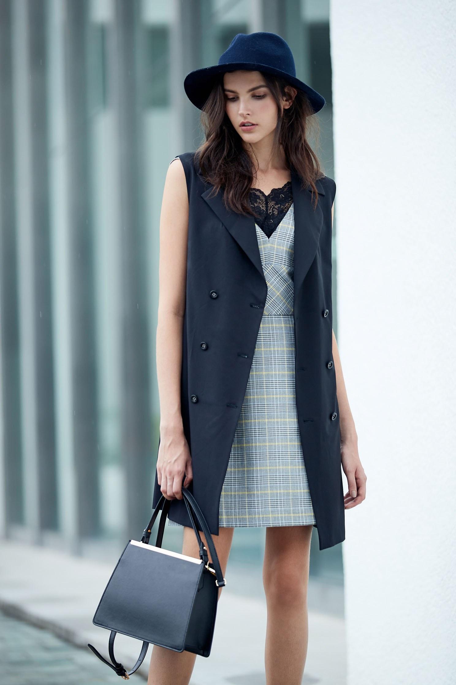 Classic England checkered V neck tailoring dress,v-neckdress,sleevelessdress