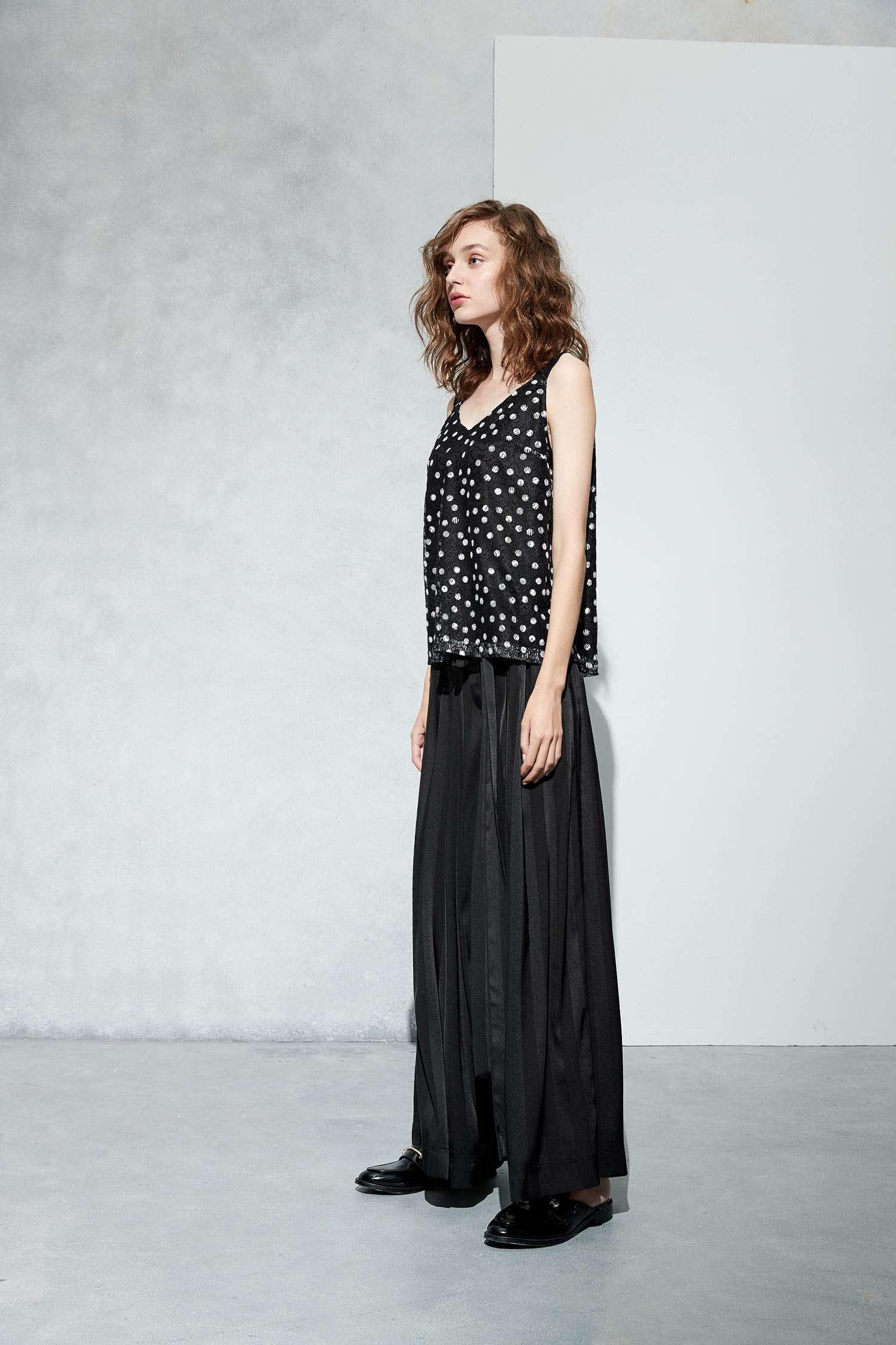 Full polka dots fashion vest,vest,lace,lacevest,girlfriendsspringtour