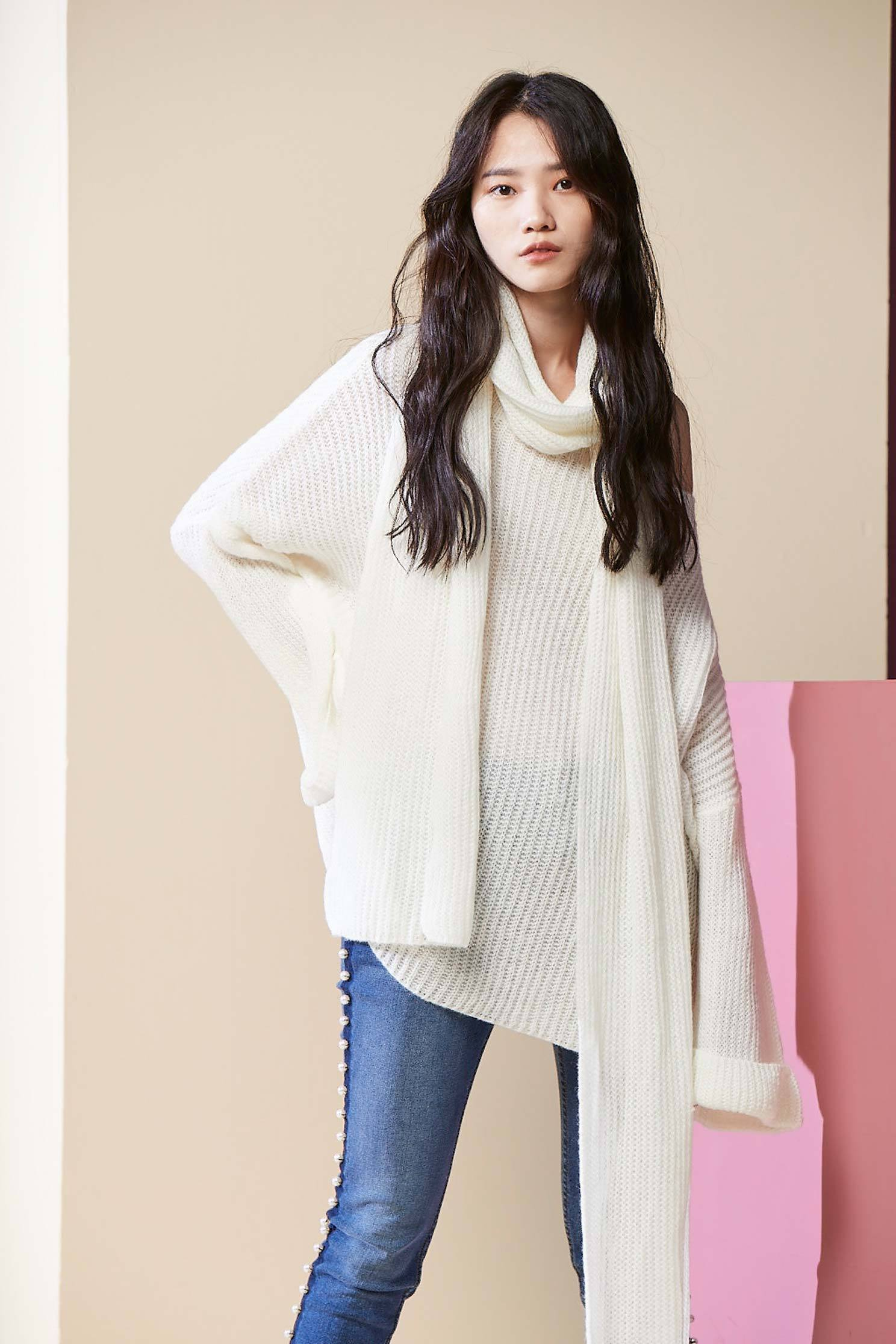 Chic lively knit top,top,whitetop,knitting,knittedtop,knittedtop,longsleevetop