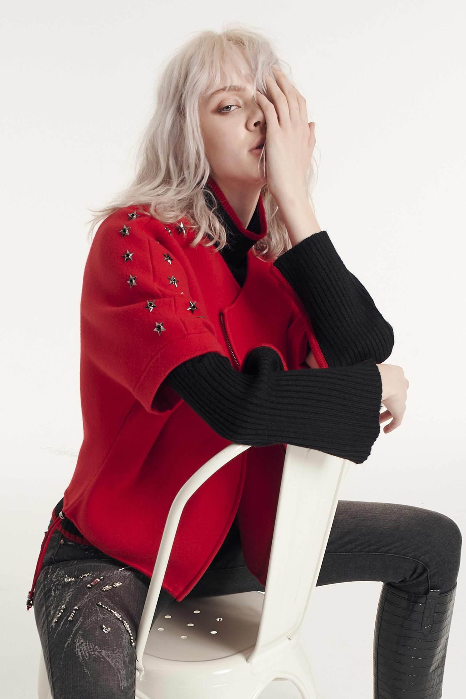 High-necked croisser knitwear,newyearred,knitting,knittedtop,knittedtop,longsleevetop,turtlenecktop,blacktop