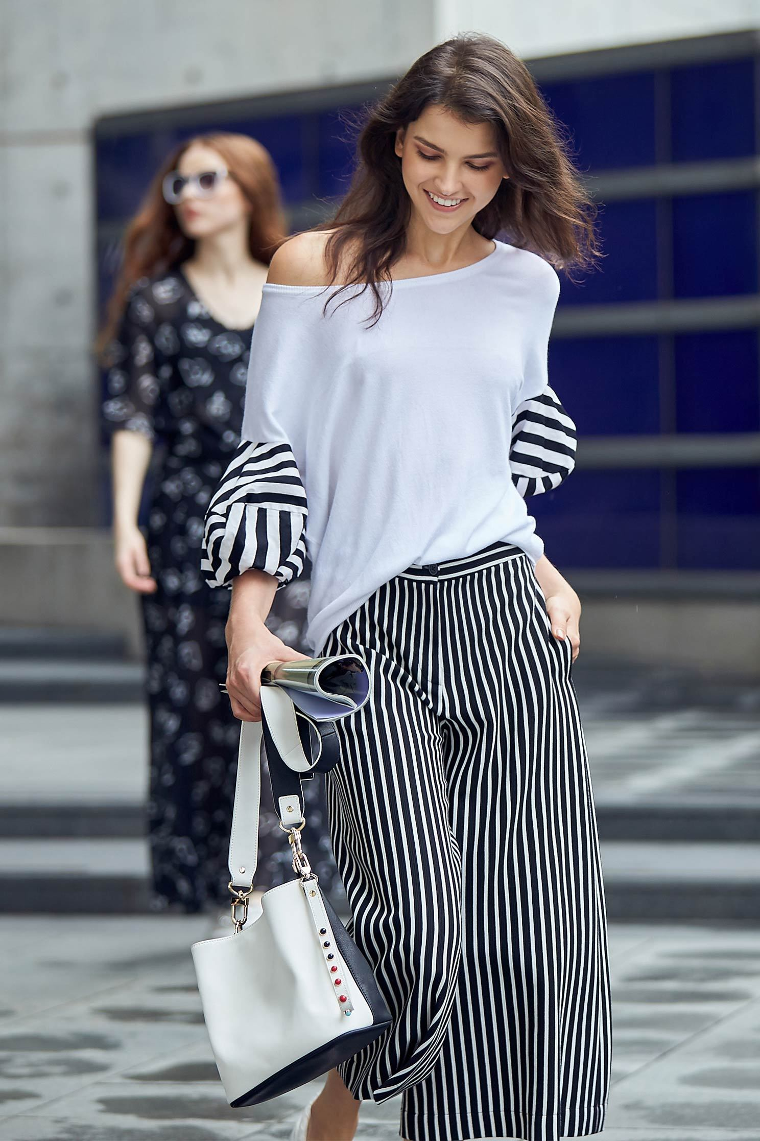 Stylish top with stripe puff sleeves,top,puffsleevetop