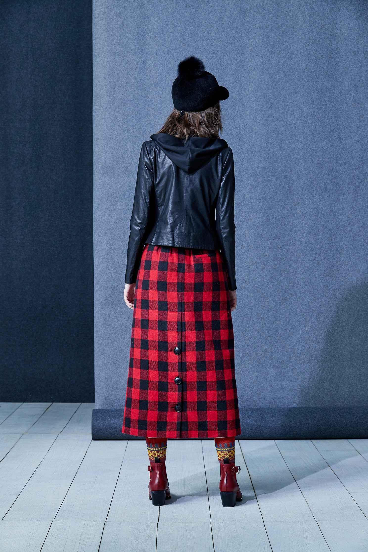 One-piece leather coat,outerwear,biker_jacket,hoodiejacket,longsleeveouterwear,blackouterwear