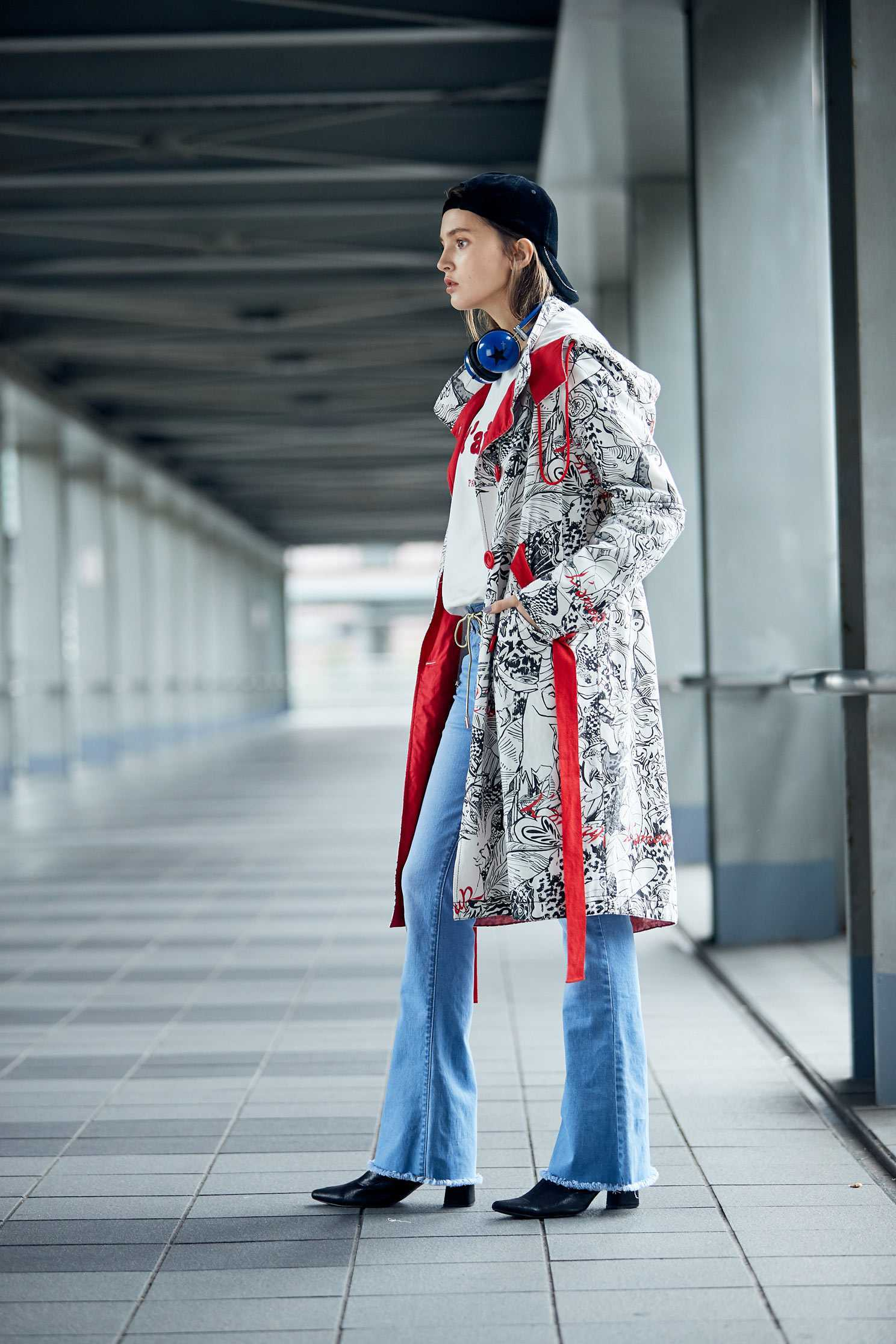 elegant coat with  toucan pattern,outerwear,hoodiejacket,longsleeveouterwear,windbreaker