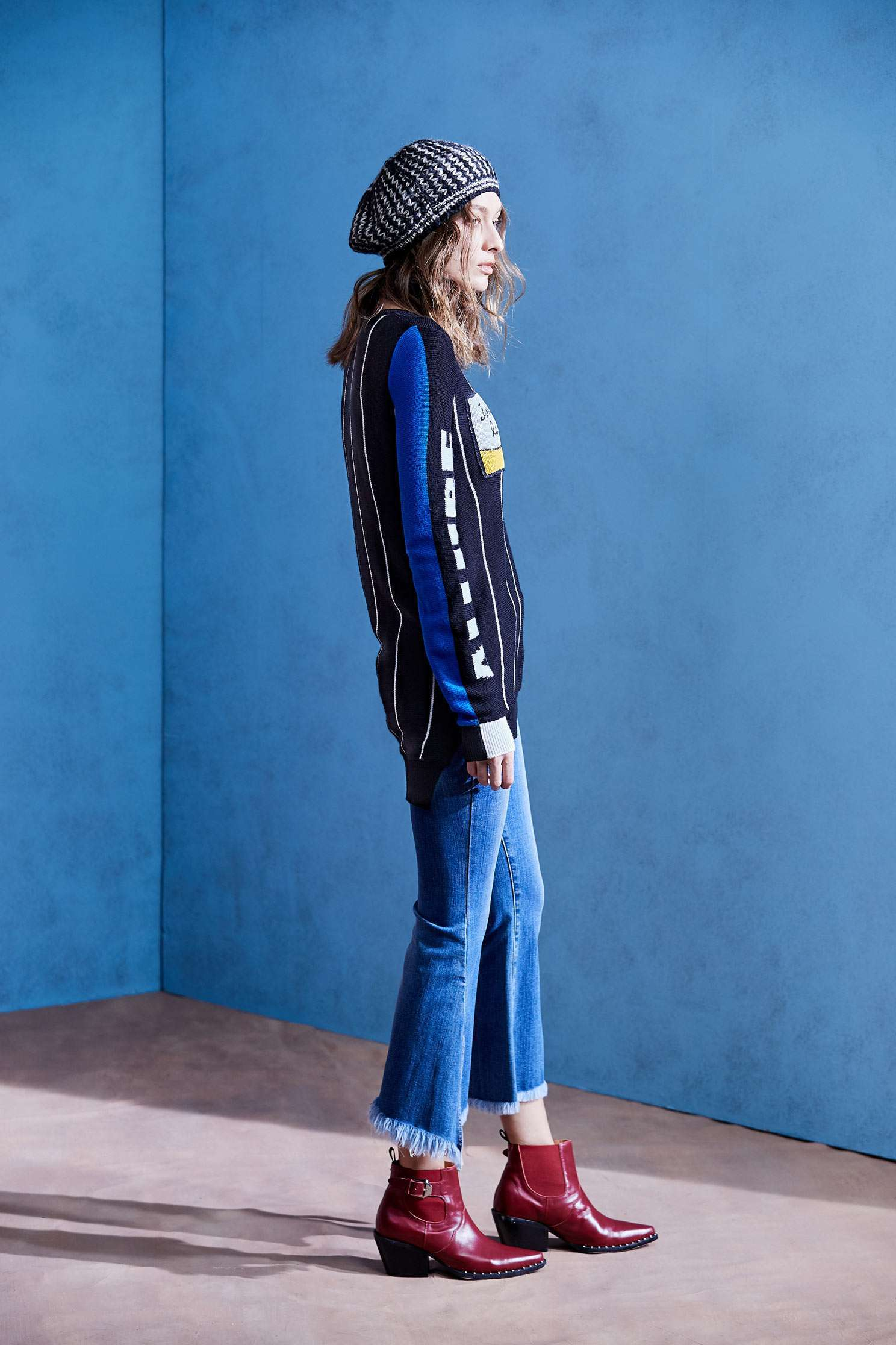 Small horn denim trousers,Tanning,Bell Bottom Jeans,cowboy,Jeans,Women's denim trousers,embroidered,Pants,長褲,Thin pants