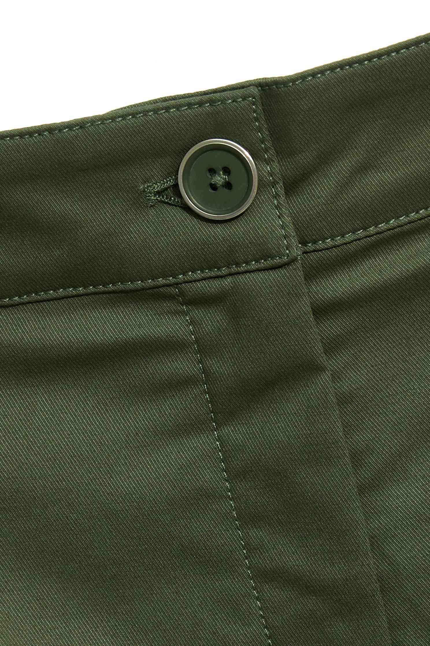 Olive green shorts,shorts,belt