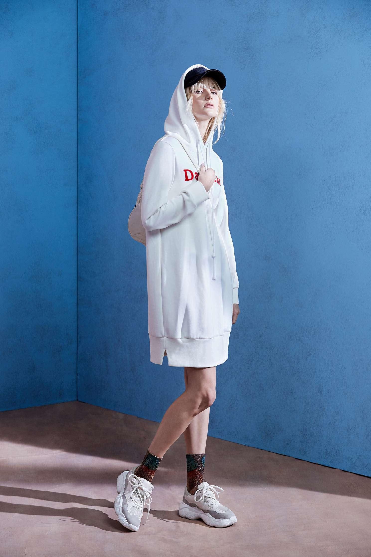 Hood long version of the dress,Dress,Casual dress,White dress,Long dress