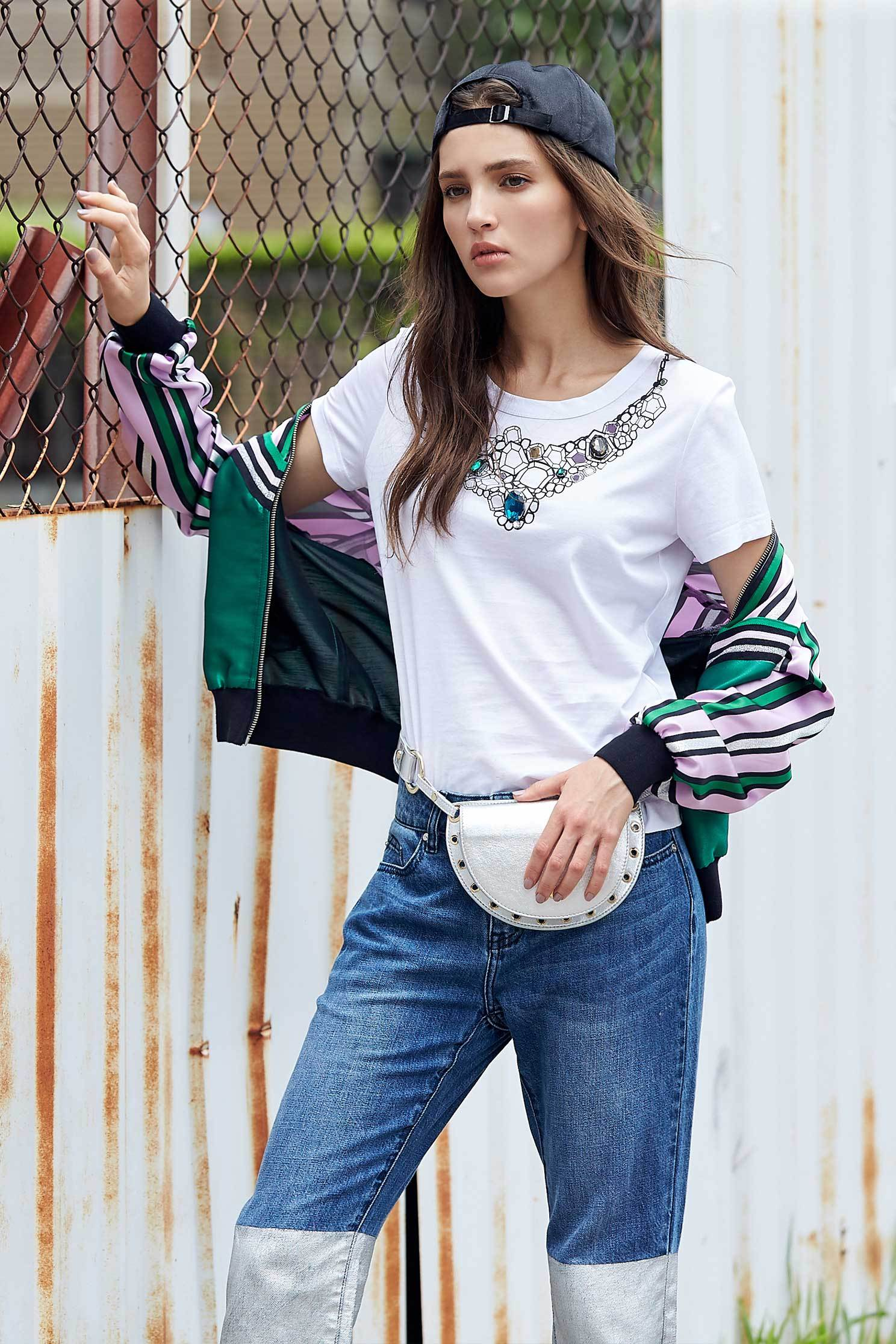 Soft cotton T shirt with necklace printing,t-shirt,t-shirt,whitetop,shortsleevetop,cotton