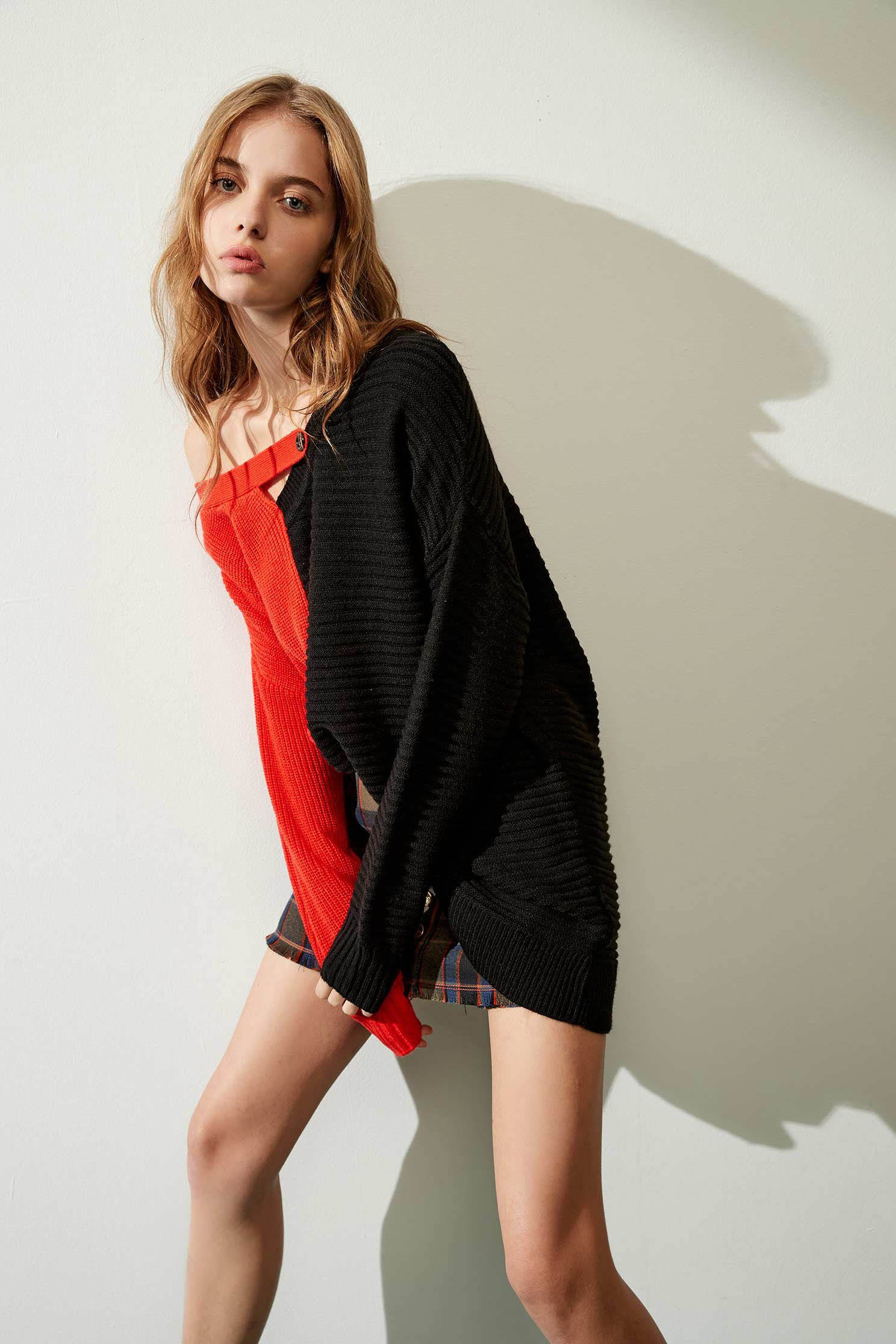 Color long-sleeved knitwear,Earth Signs,knitting,Knitted top,Knitted Top,Long top,長袖上衣