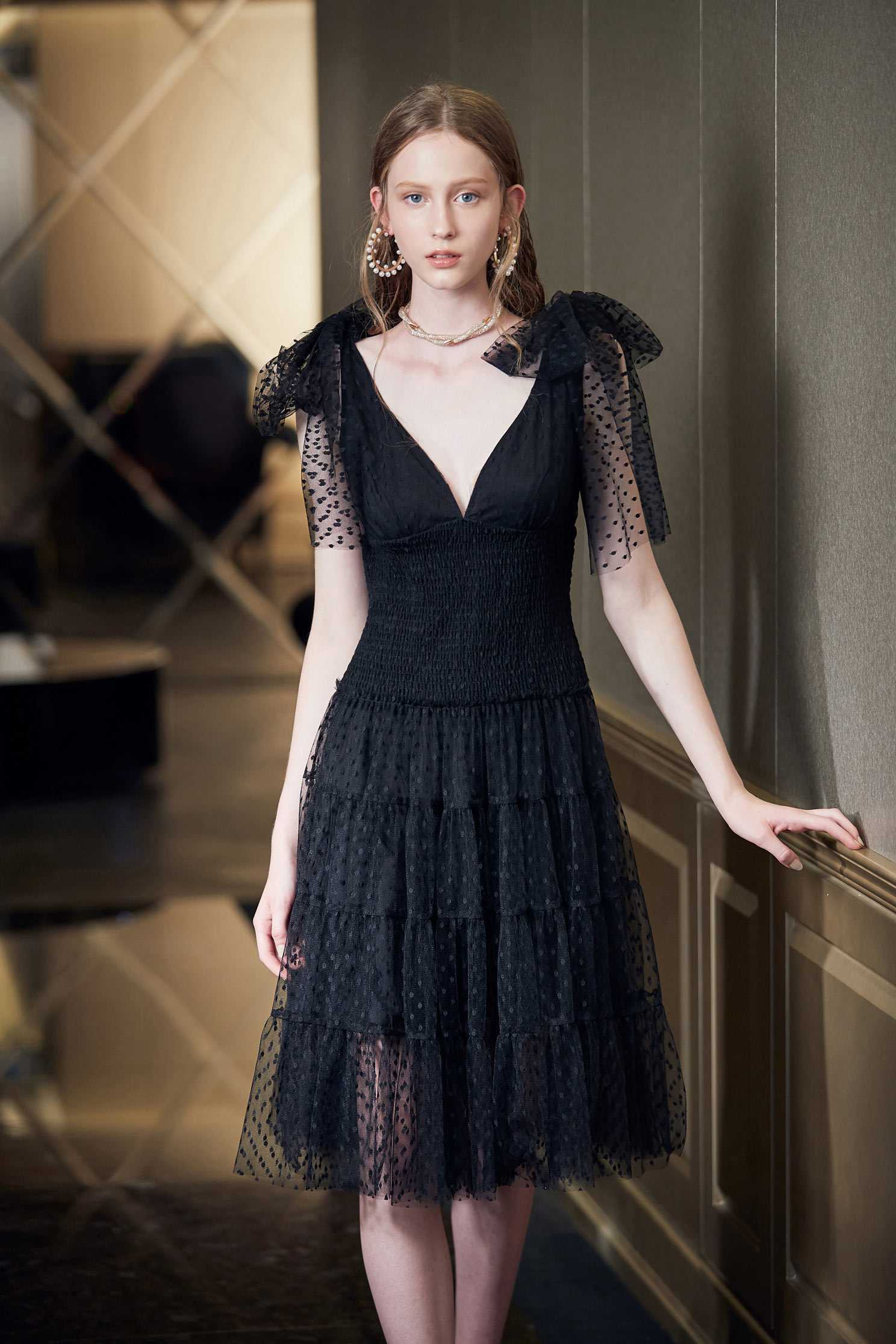 Retro and gorgeous dress,V-neck dress,Cocktail Dress,無袖洋裝,Evening Wear,Black dress