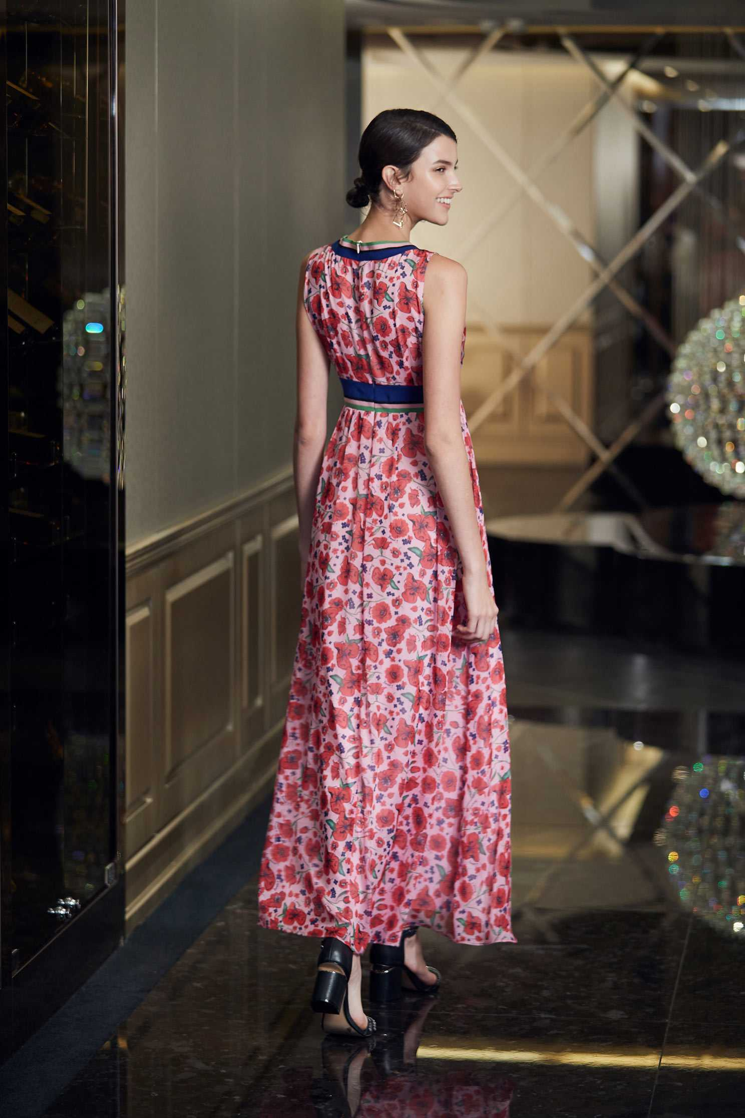 Retro V neckline and Gorgeous Sleeveless Dress,v-neckdress,printeddress,cocktaildress,sleevelessdress
