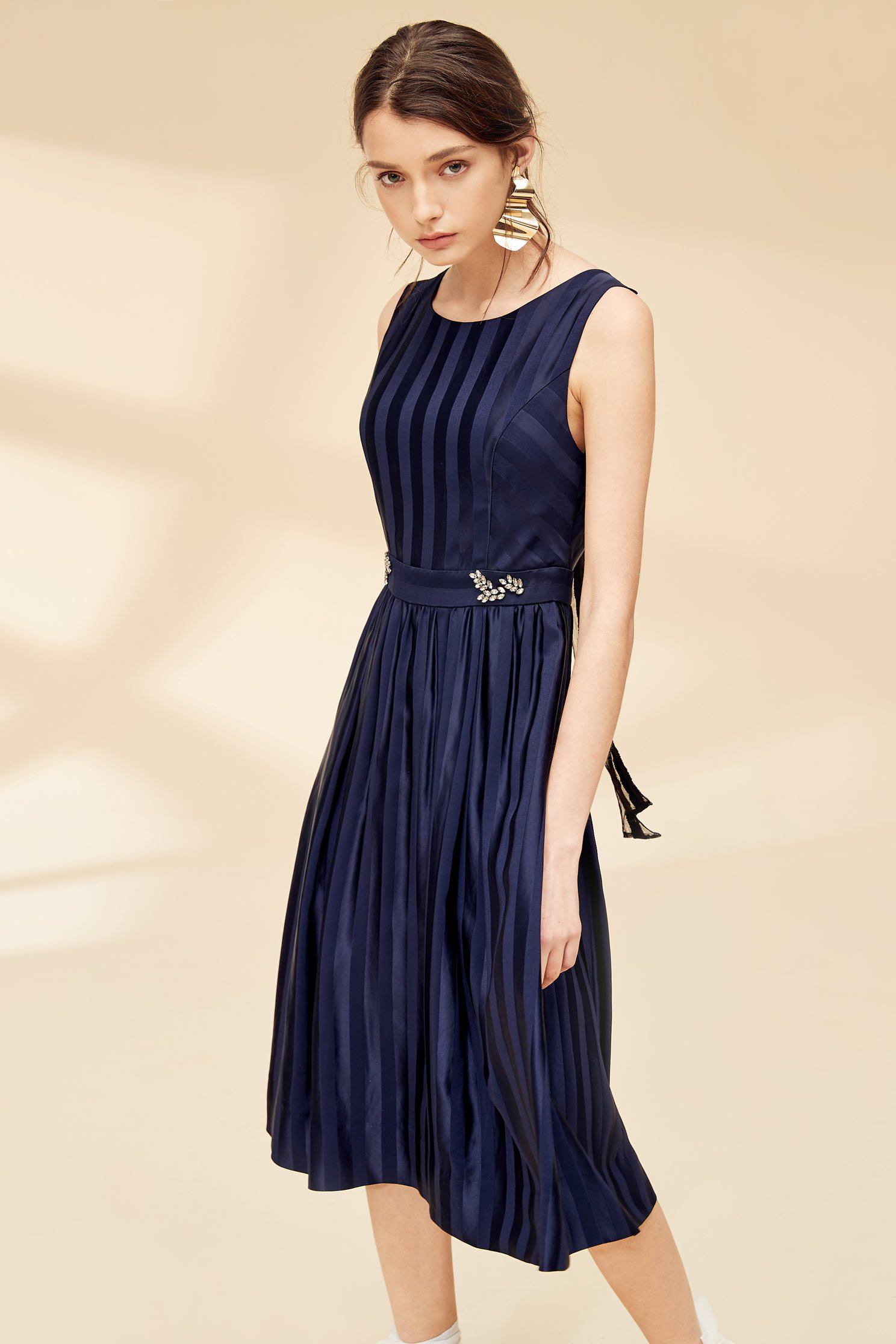 Elegant fashion dress,u-neckdress,cocktaildress,sleevelessdress
