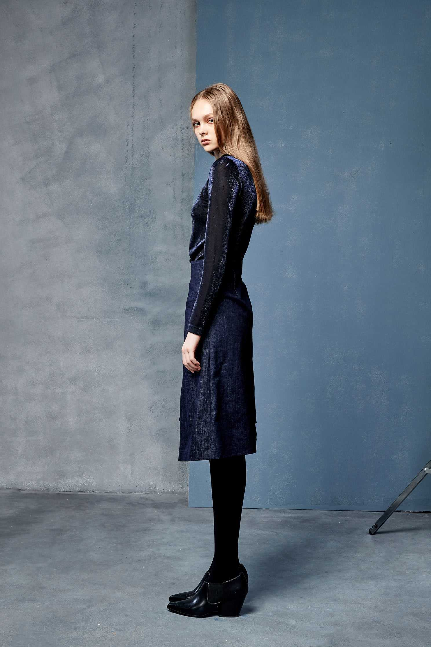 Simple blue glitter top,top,see-throughtop,knitting,knittedtop,knittedtop,longsleevetop