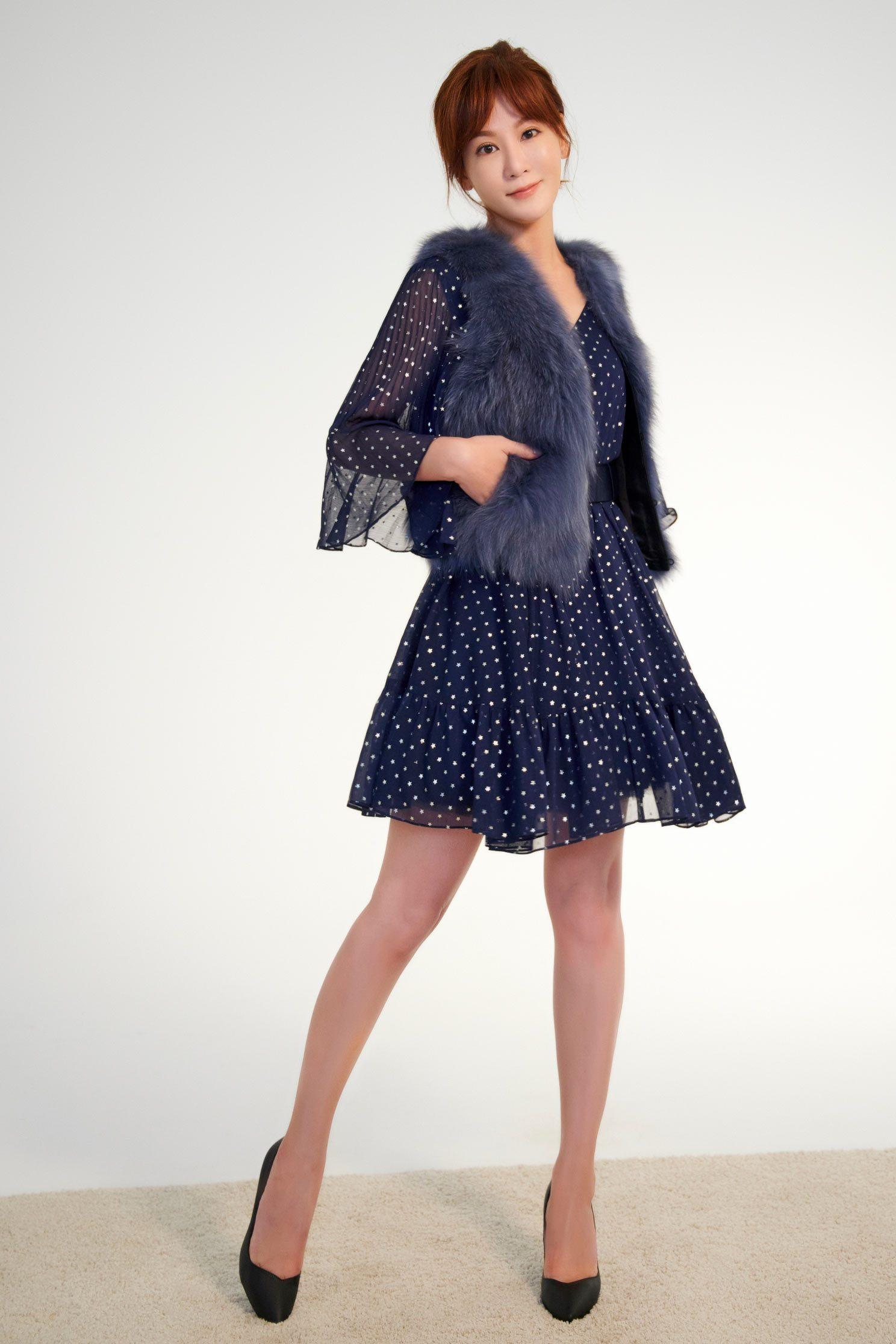 .,v-neckdress,dress,valentine,longsleevedress