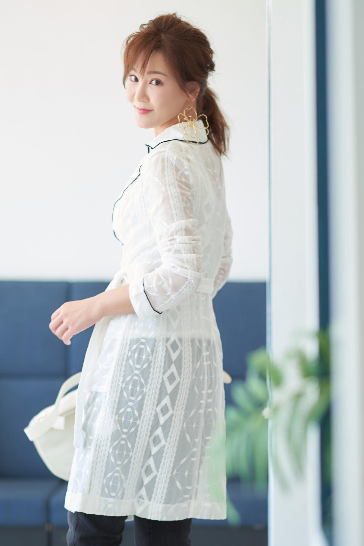氣質綁帶時尚雕花流行長袖外套,jacket,outerwear,whiteouterwear,valentine,cardigan,longsleevedress
