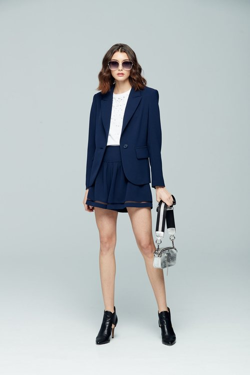 Simple shape blazer