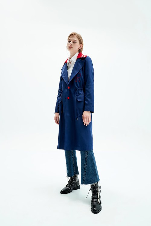 Dark blue letter embroidered trench coat