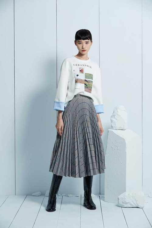 Houndstooth pattern pleated skirt