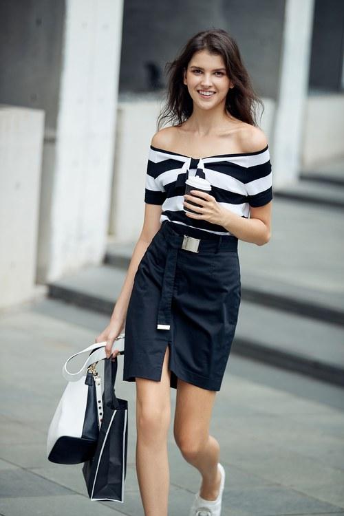 Irregular mini skirt