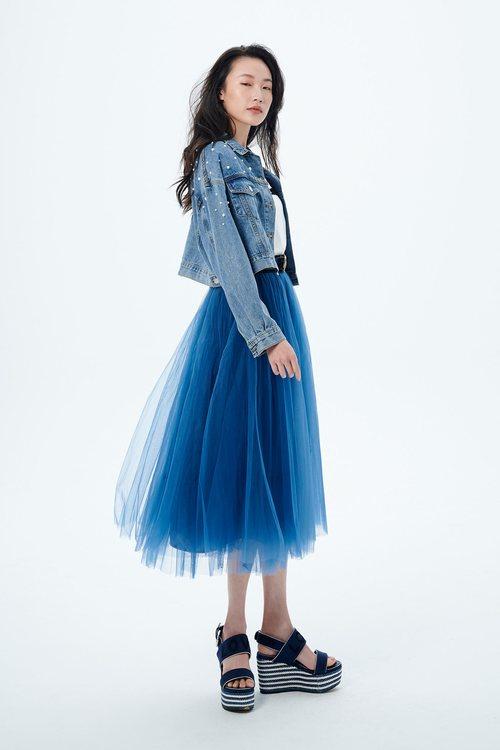 Layered mesh yarn skirt