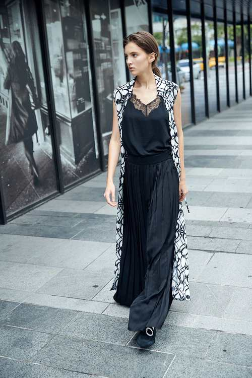 Chic pleated trouser