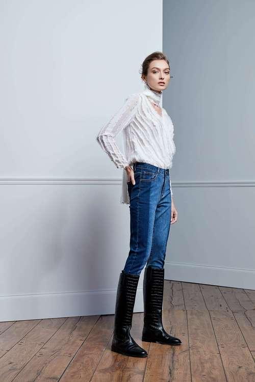 Brush-fit narrow-tube jeans