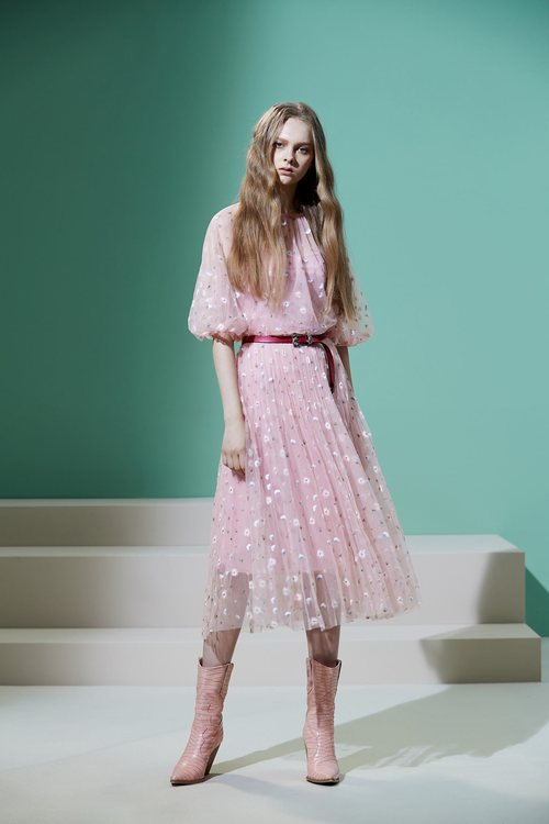 Embroidered breathable gauze dress
