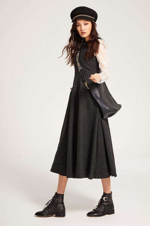Sleeveless shirt collar dress