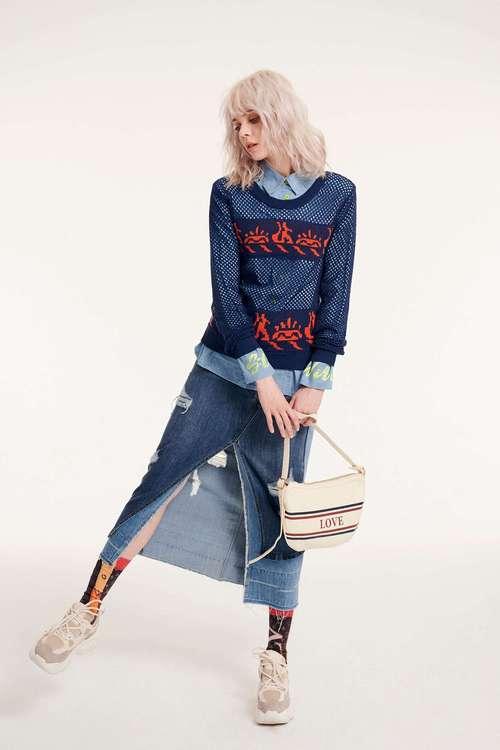 Hole long-sleeved knitwear