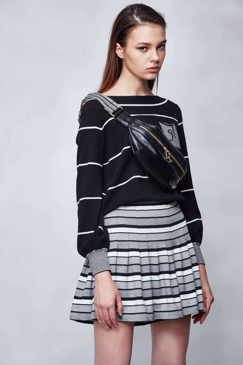 STRIPED Color knit sweater