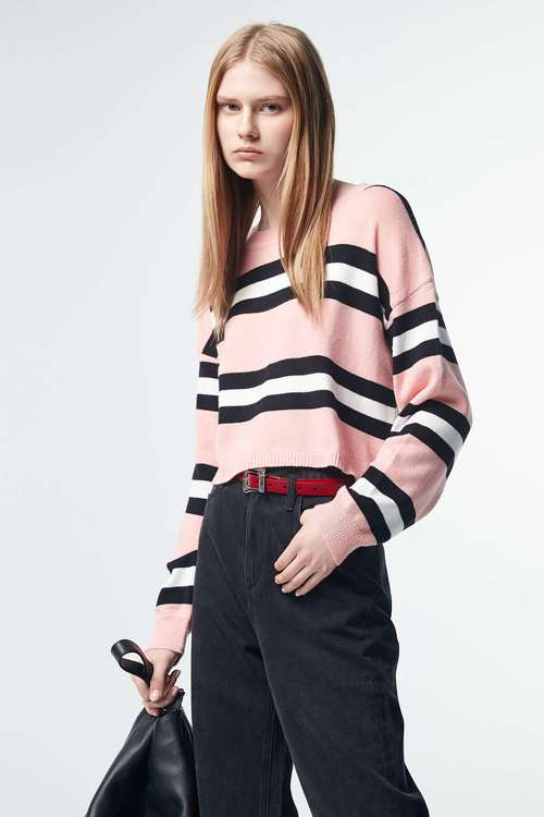 Round-necked striped long-sleeved knit sweater