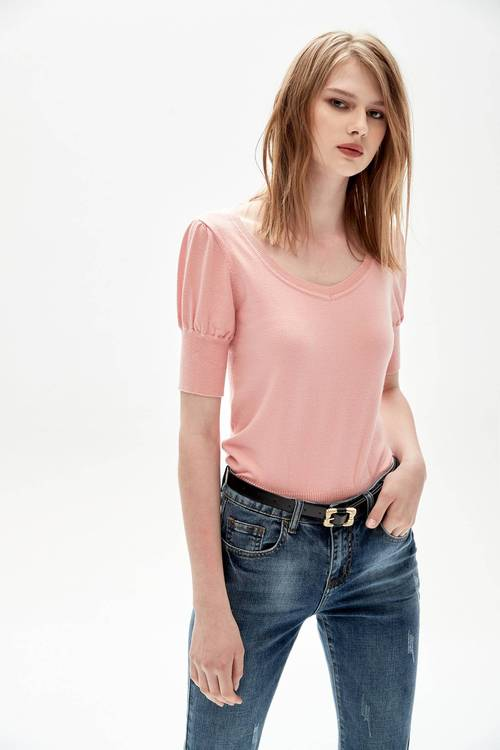U-neck micro-sleeve short-cut knitwear