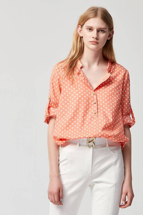 Dot V-neck short-sleeved top