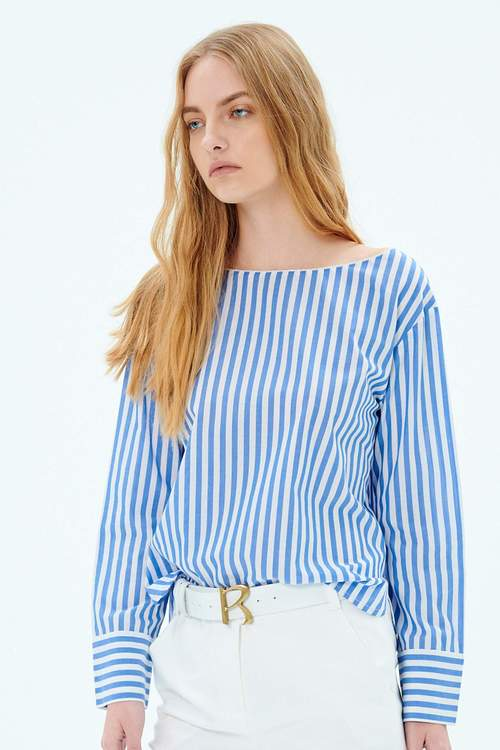 Blue striped boat collar top