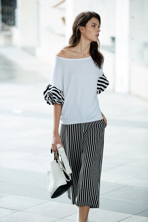 Stylish top with stripe puff sleeves