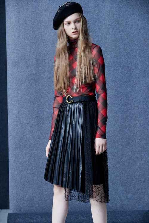 Mixed asymmetric half skirt