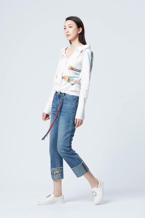 Street style boyfriend jeans