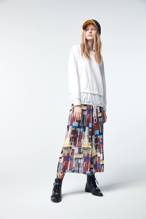 Printed pleated wide trousers