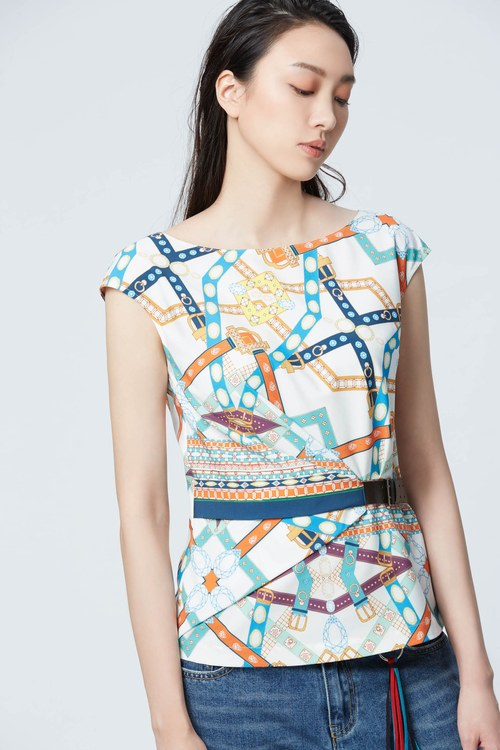 Stylish belt printing top