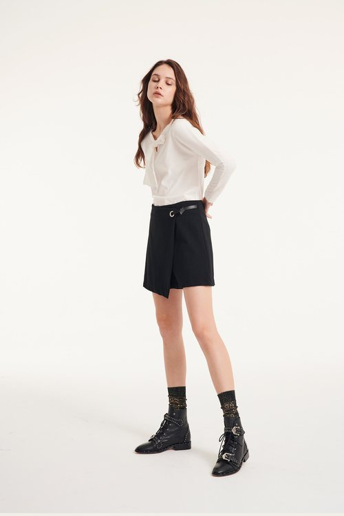 Trouser skirt with decorative belt