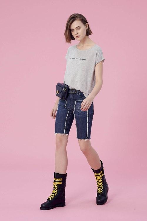 Denim shorts with frayed detailed,t-shirt,t-shirt,lace,t-shirt,t-shirt,cotton,t-shirt,t-shirt,singlet,top,sleevelesstop,vest,lace,lacevest,dress,chiffon,dress,longdress,cowboy,jeans,shorts