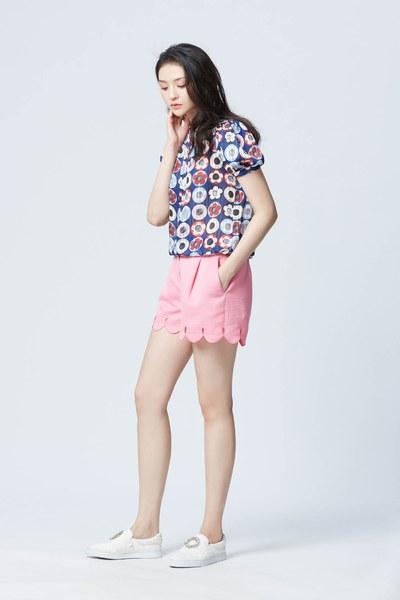 Pink solid petal design shorts