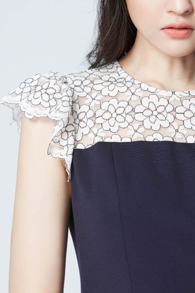 Lace spliced dress with ruffle bottom
