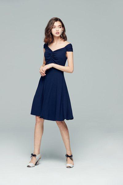 Elegant wrinkle design dress