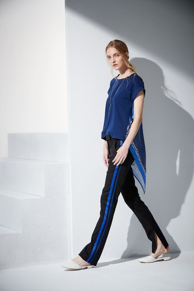 Asymmetrical cut T-shirt