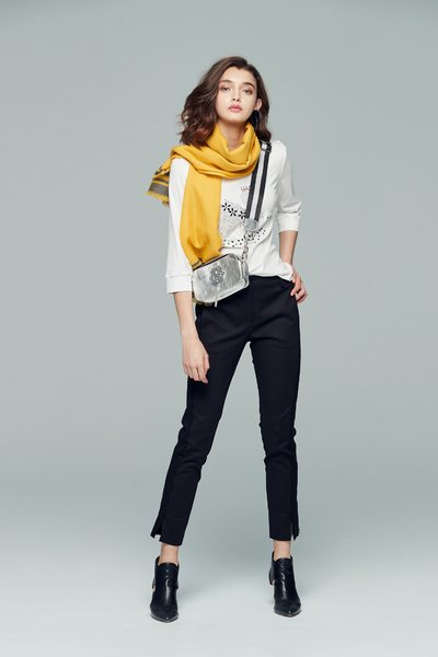 chic swan pattern long three-quarter sleeve Knitted top